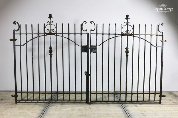 Reclaimed Spike & Ball Top Drives Gates