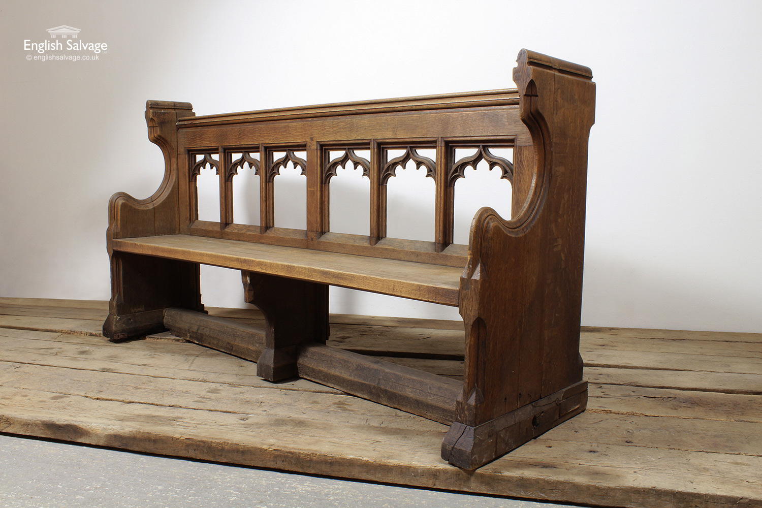 Reclaimed Trefoil Oak Pew Bench