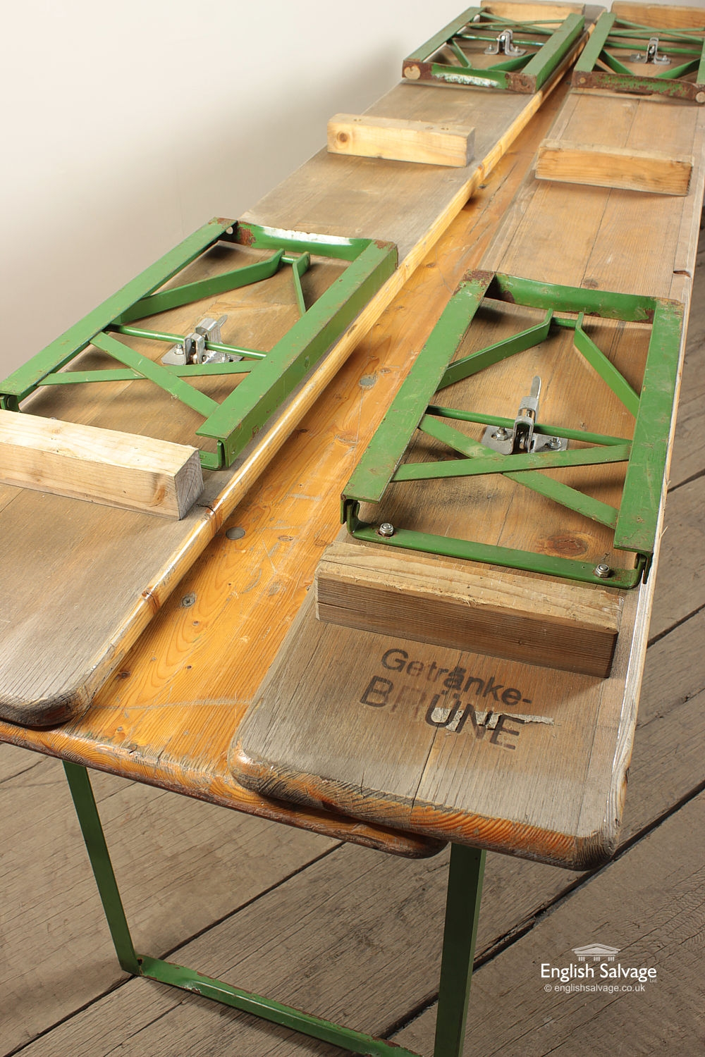 Bierkeller Table And Two Bench Set