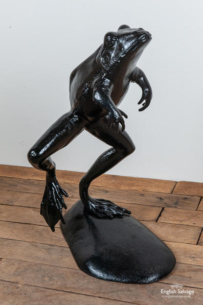 Cast iron leaping frog statue /fountain