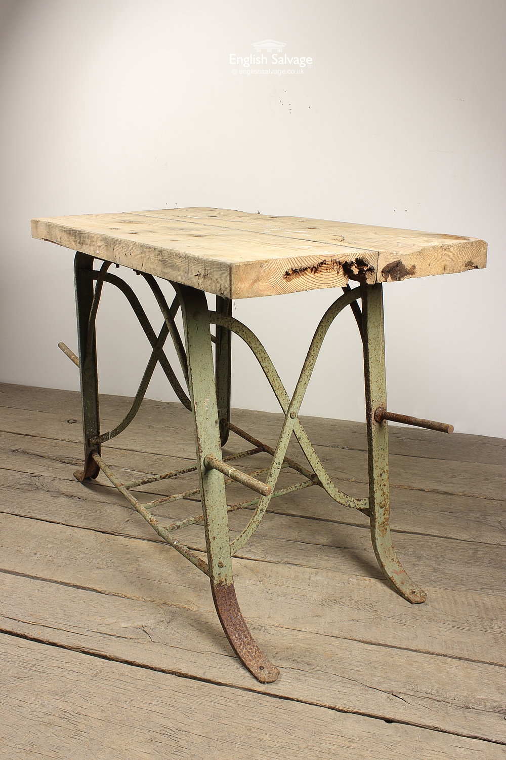 Iron Rung And Wood Plank Top Garden Table