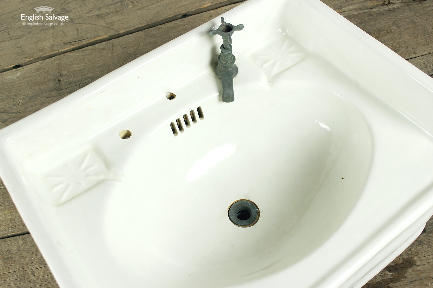 Reclaimed Shaped Victorian Sink Basin