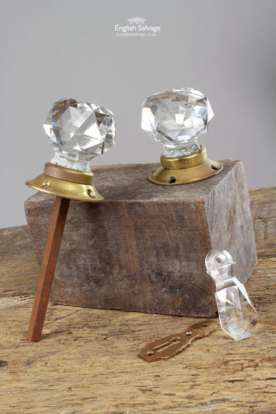 Self-Conscious Vintage Antique Clear Glass Door Knobs Matching Pair Knobs Brass Antiques